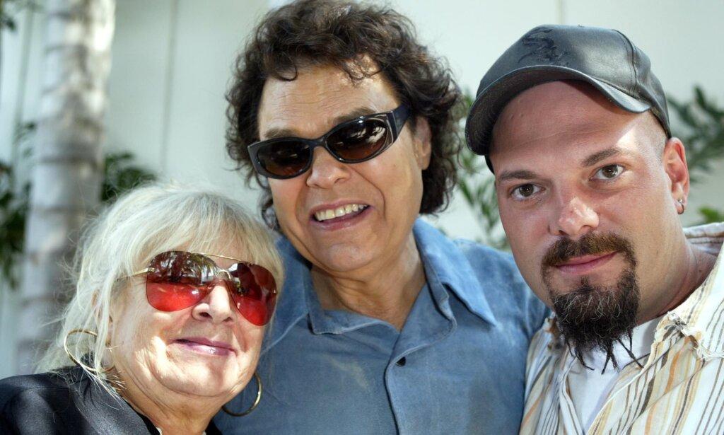 Joyce Milsap and family